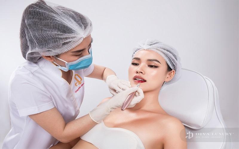 Mê Mẩn Với Công Nghệ Phun Môi Collagen 2020